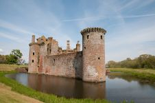 Free Landscape Of The Moat And Castle Stock Photography - 26273172