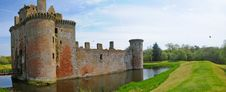 Free Moat And The Castle Stock Photography - 26273182