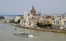Free Hungarian Parliament Royalty Free Stock Images - 26282719