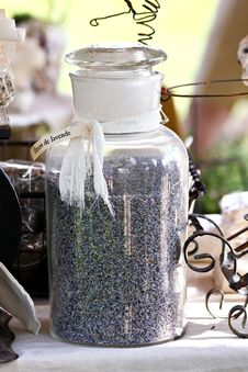 Free Jar Of Lavender Royalty Free Stock Images - 26286199