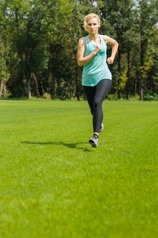 Free Portrait Of A Young Woman Jogging Royalty Free Stock Photos - 26290988