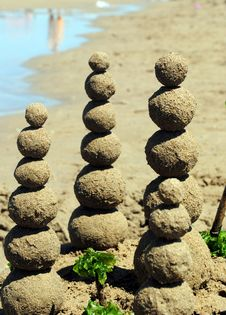 Sand Balls On The Beach Royalty Free Stock Images