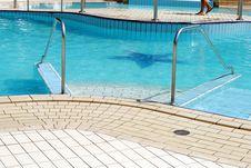Free Swimming Pool Ladder Royalty Free Stock Image - 26291976