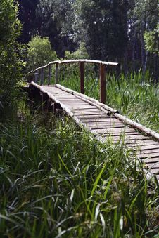 Free Woods Bridge Royalty Free Stock Images - 2630149