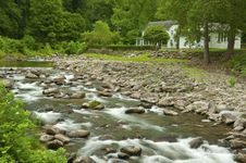 Free White Water Stream And White House Stock Images - 26304564
