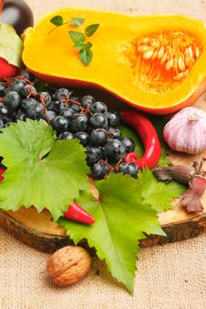 Free Autumn Fruits And Vegetables Royalty Free Stock Photo - 26327255