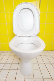 Free Ceramic Toilet Royalty Free Stock Photo - 26329265