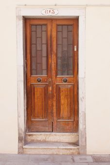 Free Old Closed Door Stock Photo - 26333260