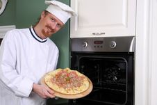 Free Young Chef With Italian Pizza Stock Images - 26333674