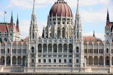 Free Budapest, Hungary Royalty Free Stock Photo - 26334075