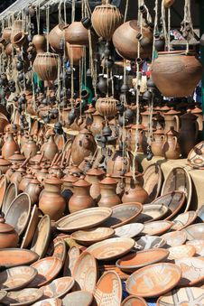 Free Earthenware In The Market Royalty Free Stock Images - 26345059