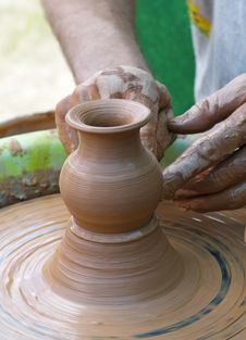 Free Hands Of A Potter Stock Photography - 26346412