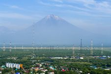 Free The City Landscape Of Petropavlovsk-Kamchatsky And Koryaksky Vol Royalty Free Stock Photo - 26347105