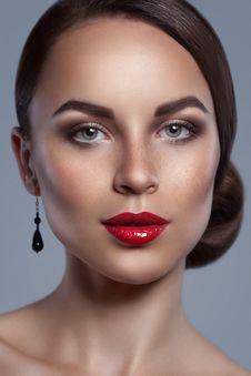 Free Luxurious Sensual Female Close-up Portrait Stock Image - 26357511