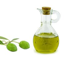 Free Olives And Bottle Of Olive Oil Isolated On White Stock Image - 26378331