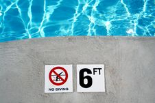Free Swimming Pool Depth Marker Stock Photos - 2647063