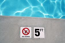 Free Swimming Pool Depth Marker Royalty Free Stock Photo - 2647075