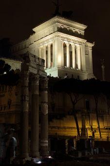 Free Monumento Nazionale A Vittorio Emanuele Royalty Free Stock Photo - 26412155