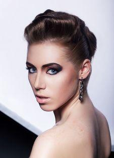 Free Fashion Model Pretty Girl - Festive Hairdo Royalty Free Stock Images - 26429939