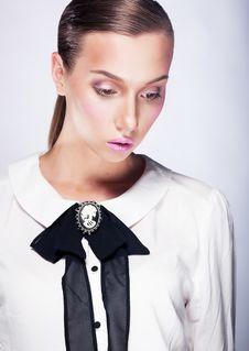 Free Beautiful Fashion Model - White Collar Lady Royalty Free Stock Photos - 26429998