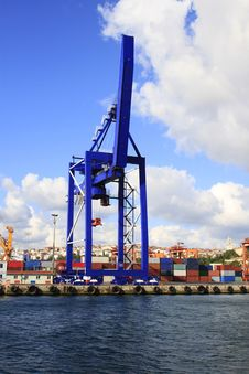 Free Container Crane Royalty Free Stock Photos - 26436048