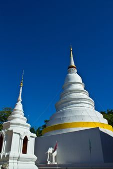 Free Two Chedi  S At Wat Phra Singh With Blue Sky Stock Photos - 26445023