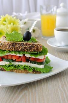 Free Sandwich With Cheese And Vegetables Royalty Free Stock Photos - 26446518