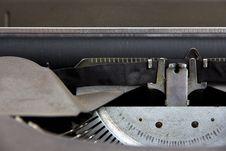 Free Vintage Typewriter Royalty Free Stock Photos - 26458348