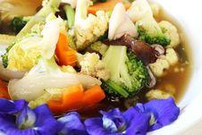 Free Thai Food, Stir-fried Mixed Vegetable Stock Photos - 26473123