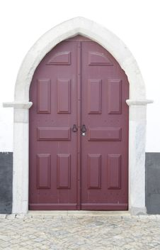 Free Double Wooden Door Stock Photography - 26488372