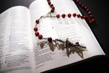 Free Red Rosary And Holy Bible Stock Photos - 2655293