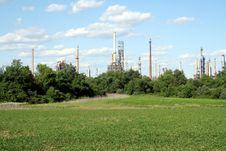 Free Oil Refinery Royalty Free Stock Photo - 2657555