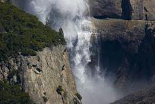 Free Yosemite Water Falls Royalty Free Stock Images - 2659679