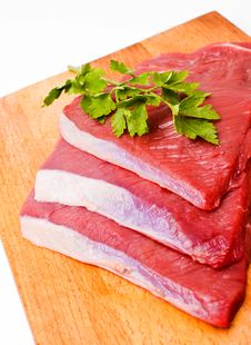 Free Raw Meat Slices On Board Stock Photography - 26531932
