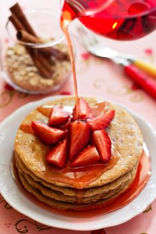 Free A Stack Of Pancakes With Fresh Strawberries Royalty Free Stock Photo - 26554395