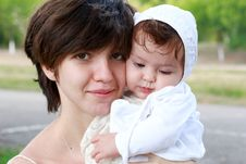 Free Mother With A Child Royalty Free Stock Photos - 26556648