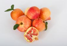 Free Pomegranate Royalty Free Stock Photo - 26559625