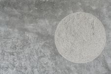 Free Plain Cement Wall With Round Rough Texture Insert Royalty Free Stock Photos - 26583428