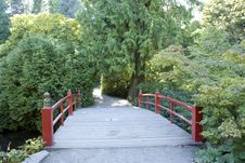 Free Red Bridge Path Royalty Free Stock Photography - 26584477