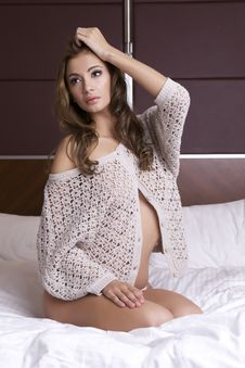 Free Beautiful Brunette In Bed Stock Photography - 26589152