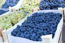 Free Grapes In Crates Royalty Free Stock Photography - 26596887