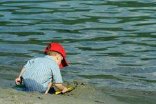 Free Boy On Beach Royalty Free Stock Photography - 2665417
