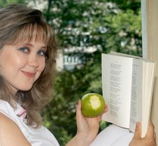 Free Apple And Book Stock Photos - 2666573
