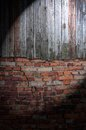 Free Spotlight On Dark Grungy Wall Royalty Free Stock Photos - 26618668