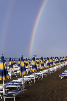 Free Double Rainbow In A Beach Royalty Free Stock Photo - 26612965