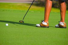 Golfer Putting On The Green Closeup Royalty Free Stock Photography