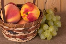 Free Autumn Fruits Royalty Free Stock Images - 26635039