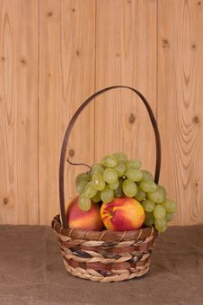 Free Autumn Fruits Royalty Free Stock Photography - 26635077