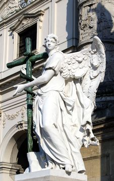 Free Statue In St. Charles S Church, Vienna Royalty Free Stock Photography - 26640917