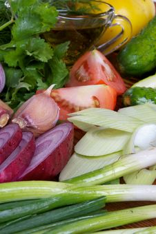 Free Making Vegetable Salad Royalty Free Stock Photo - 26645095